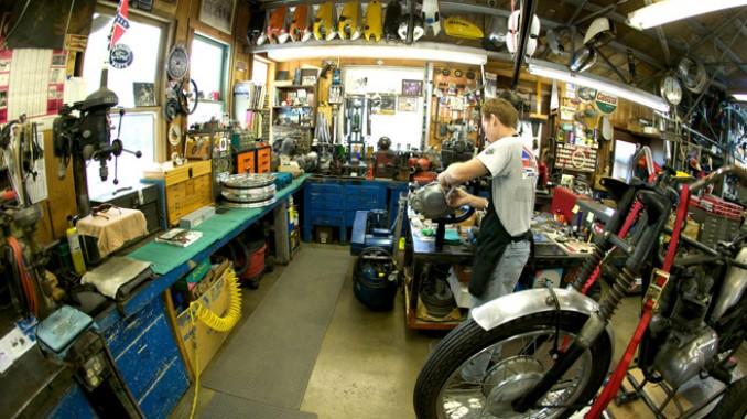 Workshops home workshops woodworking shops garage workshops for Garages and workshops