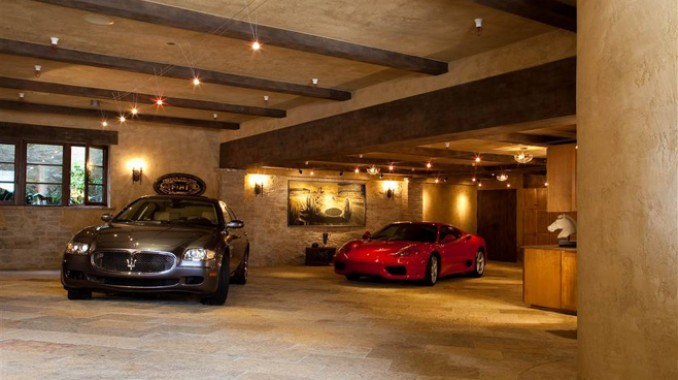 An underground dream garage tuscan style dream garage for Garage nice centre
