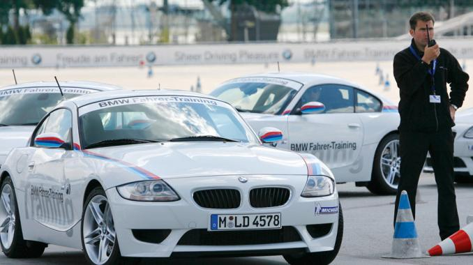 Bmw driving school locations